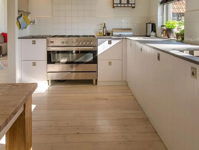 Sådan sliber du selv dine gulve Alt om bolig og hus